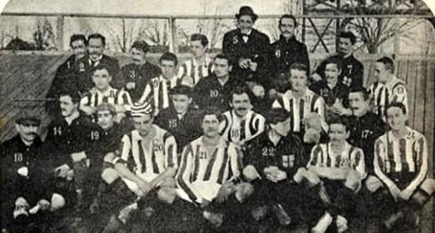 1903 (insieme ai giocatori del Milan)